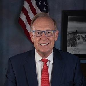 Lee W. McNutt